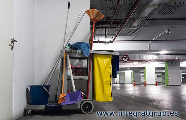 Integra-T, empresa servicios de limpieza en garajes y edificios